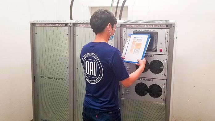 QAI Vibration Table Control panel with Technician
